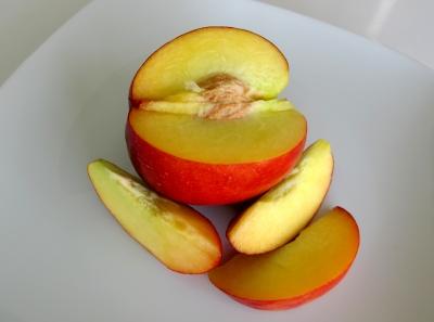 nektarine n hrwerte nektarine pfirsich unterschied kalorien kalorien guru. Black Bedroom Furniture Sets. Home Design Ideas